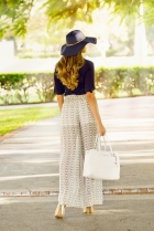 For details of this look go to https://lookchicblog.com/2015/09/25/chiffon-pants/