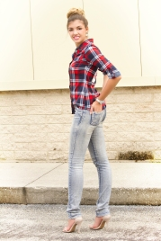 For details of this look go to https://lookchicblog.com/2015/10/09/plaid-shirts/