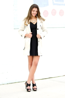 For details of this look go to https://lookchicblog.com/2015/12/14/winter-chic/