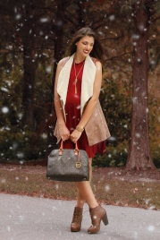 For details of this look go to https://lookchicblog.com/2016/12/29/let-it-snow/