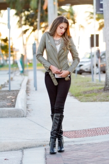 For details of this look go to https://lookchicblog.com/2017/03/13/bye-bye-winter/