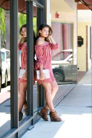 For details of this look go to https://lookchicblog.com/2017/05/30/maroon-dress/