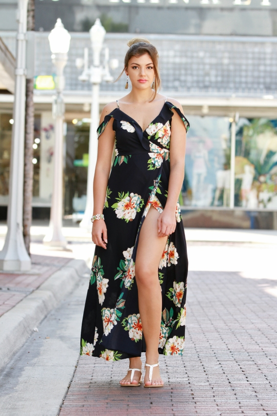 For more details on this look go to https://lookchicblog.com/2017/08/22/romwe-cold-shoulder/