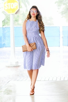 For more details on this look go to https://lookchicblog.com/2017/08/29/swing-dress-shein/