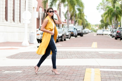 For details of this look go to https://lookchicblog.com/2017/10/15/bold-outerwear-shein/