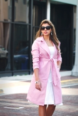 For details of this look go to https://lookchicblog.com/2017/11/14/pink-trench-coat-zaful/